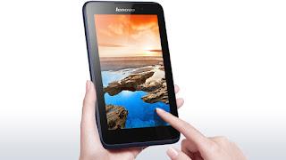 Spesifikasi Lenovo A7-50 A3500  Lenovo A7-50 A3500 adalah tablet murah yang dilengkapi dengan fitur untuk telepon dan sms seperti  fiturnya tablet quad core murah Lenovo A7-30 A3300. Tablet ini juga bisa digunakan untuk internetan  dengan jaringan data yang cepat, karena seri A7-50 A3500 ini sudah mendukung jaringan 3G HSDPA. Beda ya  dengan seri A7-30 A3300? Ya beda, karena A7-30 A3300 itu belum 3G. Apa saja perbedaan seri A7-50 A3500  ini dibandingkan seri A7-30 A3300?   Blog Informasi Ponsel melihat ada beberapa perbedaan antara seri A7-50 A3500 ini jika dibandingkan seri  A7-30 A3300, yang pertama adalah tablet ini sudah 3G, yang kedua adalah resolusi layarnya lebih bagus  (800 x 1280 pixels vs 600 x 1024 pixels), yang ketiga adalah resolusi kamera yang lebih tinggi (5 MP  dan 2 MP vs 2 MP dan VGA) dan yang keempat adalah kapasitas baterai yang lebih kecil (3450 mAh vs 3500 mAh).  Beberapa fitur utama yang ditawarkan oleh Lenovo A7-50 A3500 ini adalah: Layar sentuh 7.0 inch dengan resolusi 800 x 1280 pixels, OS Android Jelly Bean v4.2.2 yang upgradable menjadi KitKat v4.4.2, prosesor quad core 1.3 GHz Cortex-A7, RAM