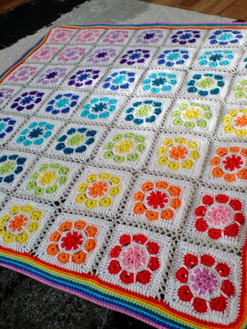 Magic Rainbow Baby Blanket - Free Pattern