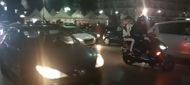احتفالات في الجزائر بعد انسحاب بوتفليقة (فيديو)