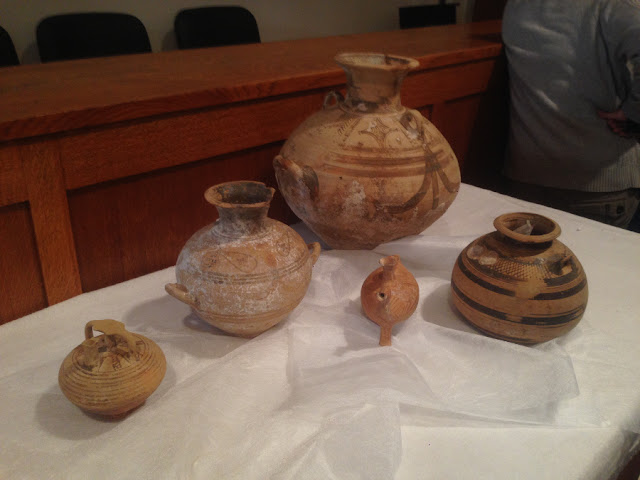Germany returns 33 smuggled artefacts to Greece