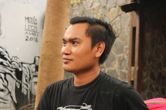 Mengunjungi Bajang, Si Penular Virus Menulis