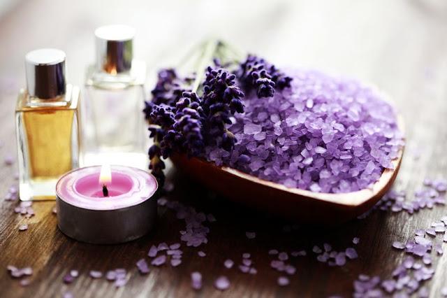 bathroom design idea with Lavender oil