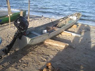 Belize dugout canoe design details