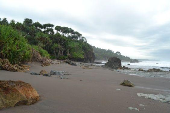 Pantai Keusik Luhur Pangandaran