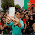 Photo: Cristiano Ronaldo shares selfies with fans in France