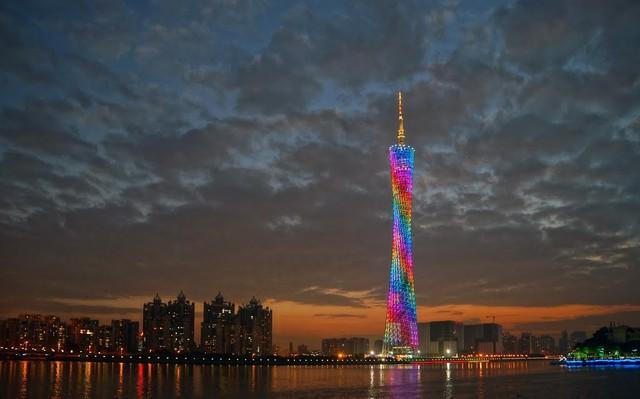 Tháp truyền hình cao nhất thế giới xây tại dự án Tây Hồ Tây???