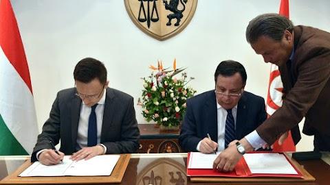 Szijjártó: gazdasági és biztonsági szempontból is fontos az együttműködés Tunéziával
