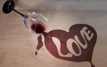 Wallpaper: Creative Art - Wine & Love