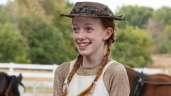 Amybeth McNulty- Anne