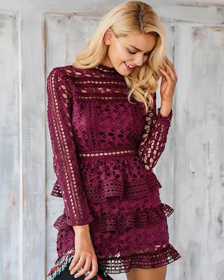 vestido vino tinto con encaje