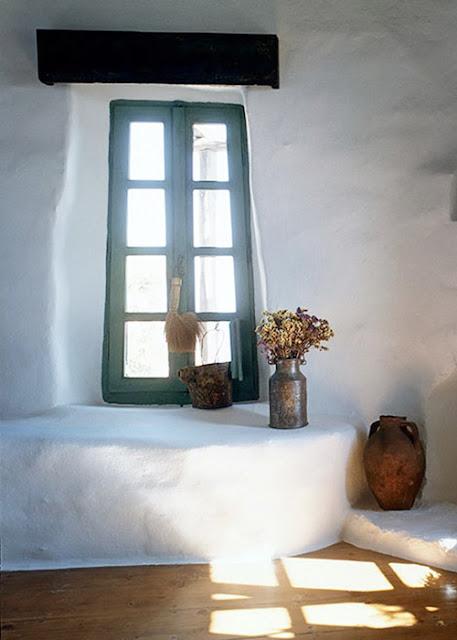 fenêtre maison traditionnelle grecque