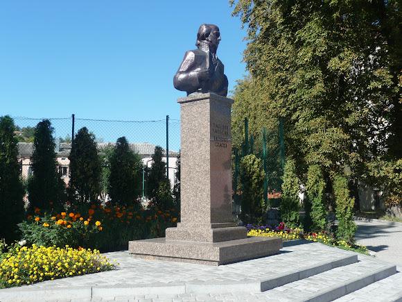 Кременець. Пам'ятник Тадеушу Чацькому