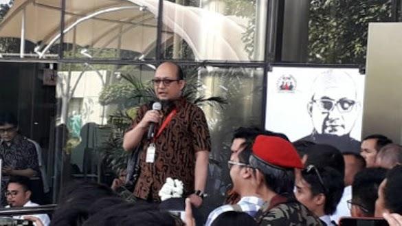 Novel Ultimatum Jokowi Agar Tak Cuma Banyak Retorika