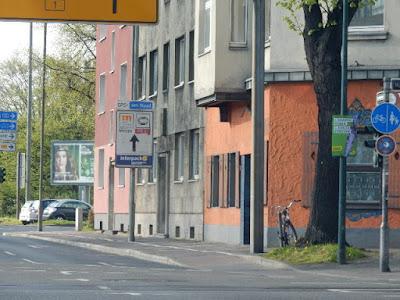 http://www.derwesten.de/staedte/bottrop/die-regeln-fuer-die-wahlplakate-id8320035.html