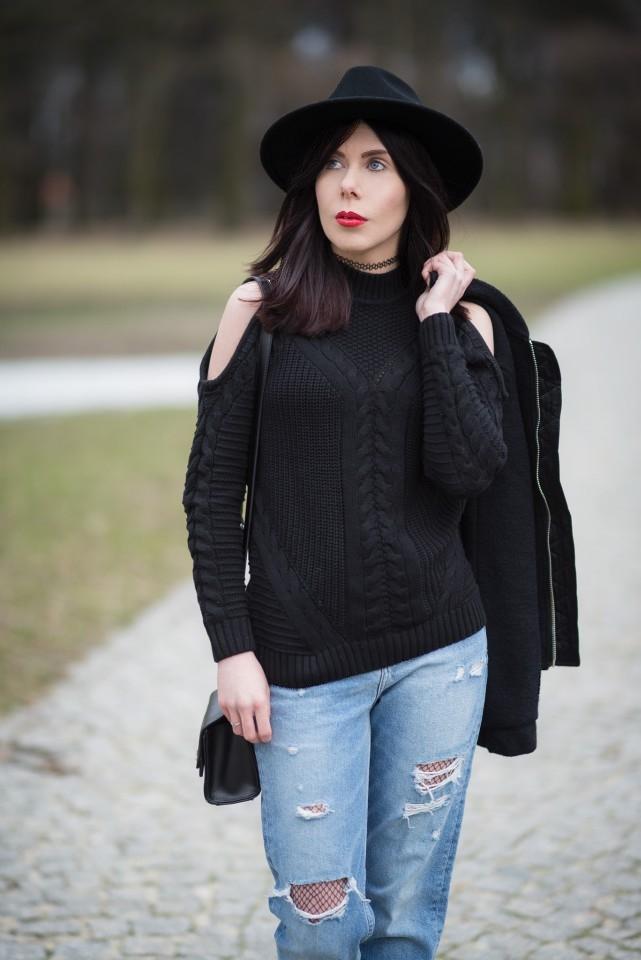 stylizacja grunge z kapeluszem i swetrem cold shoulder