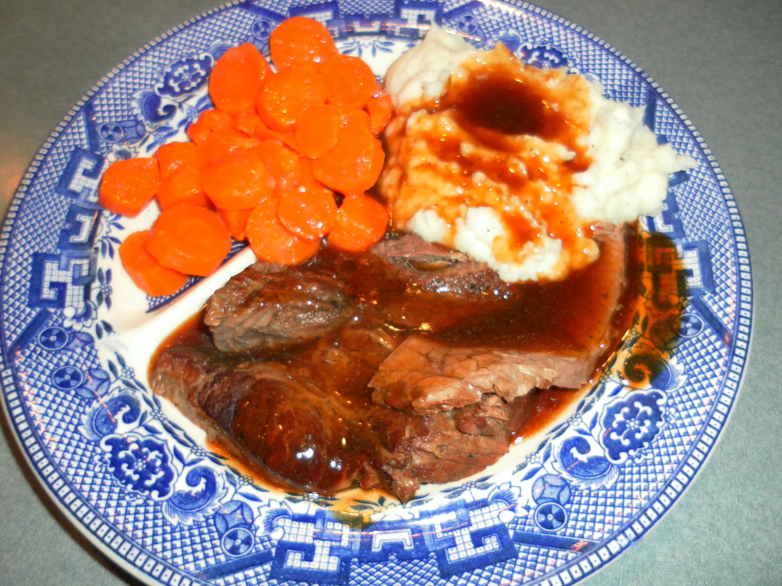 how to cook beef chuck roast on stove top
