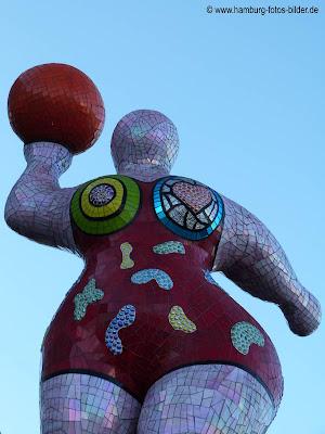 Kunst in Hamburg. Die Nanas von Niki de Saint Phalle