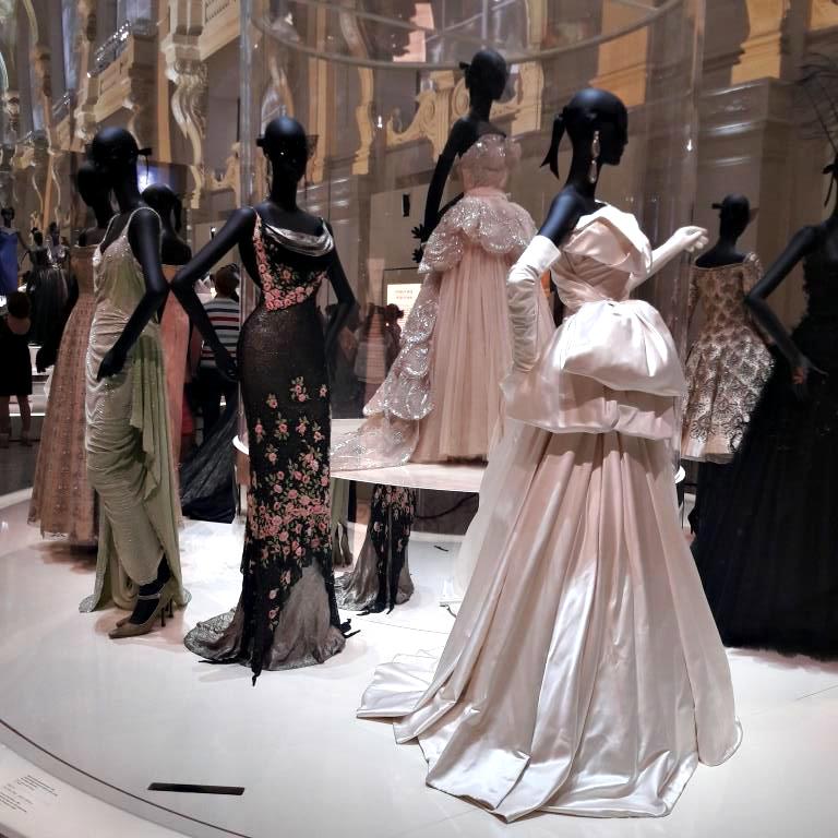 cd7a92377cae Exposition Christian Dior mode Arts Décoratifs musée Paris haute couture