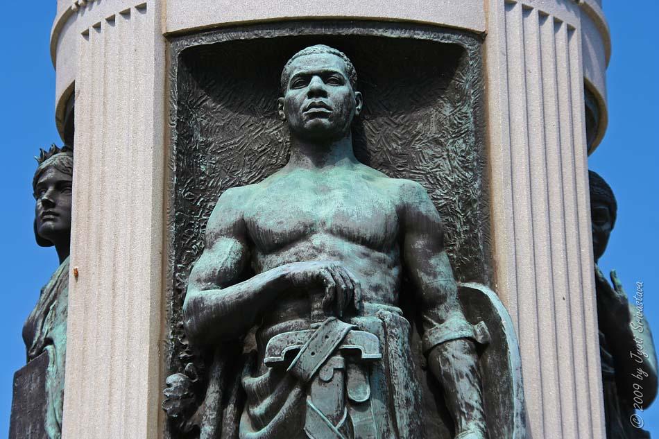 Public Art In Chicago Bronzeville Victory Monument