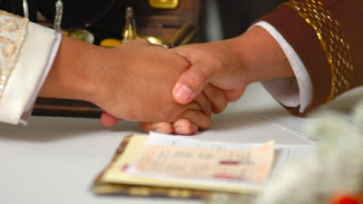 Menghadirkan Saksi dalam Akad Nikah