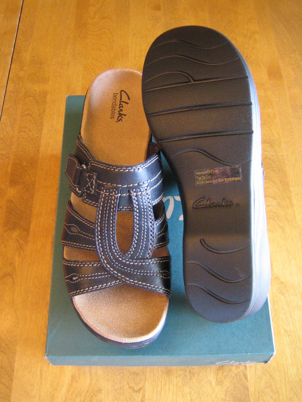 5dd37fba11f Hyrule Trading Company  Clarks bendables - Women s Sandals - NEW