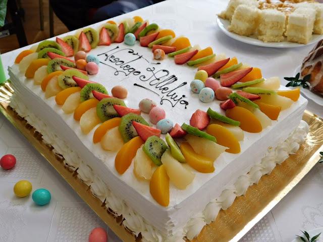 Wesołego Alleluja, torty i ciasta w świetlicy wiejskiej w Nowym Kramsku
