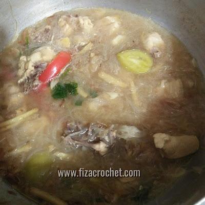 Masakkan sup ayam