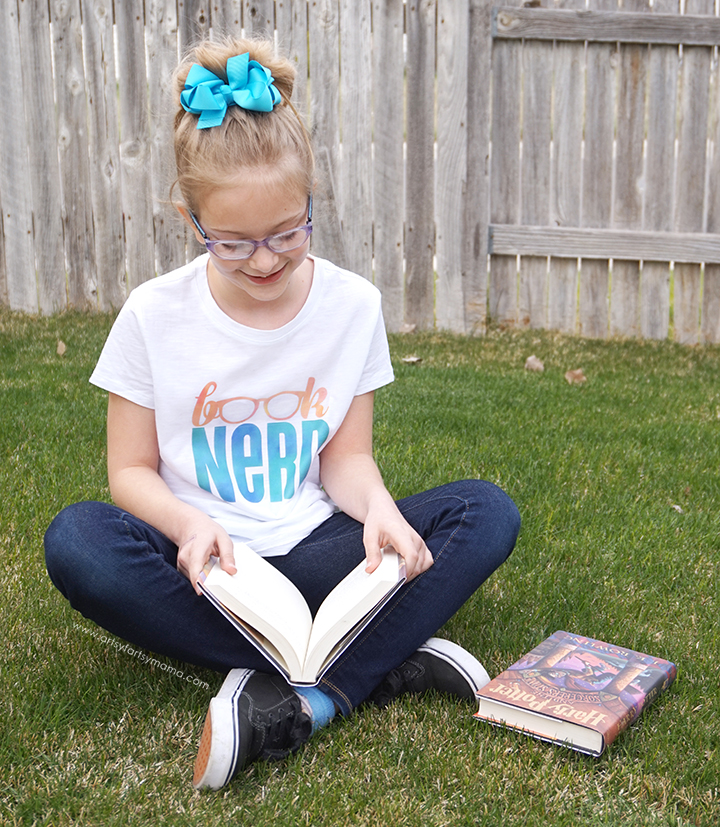 Let the world know you LOVE books with this DIY Book Nerd Shirt made with Cricut Patterned Iron-On!