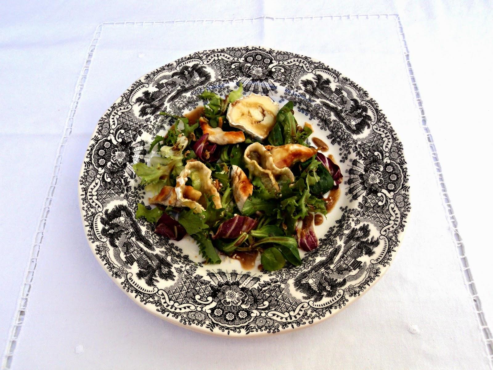 ensalada-brotes-pechuga-presentacion
