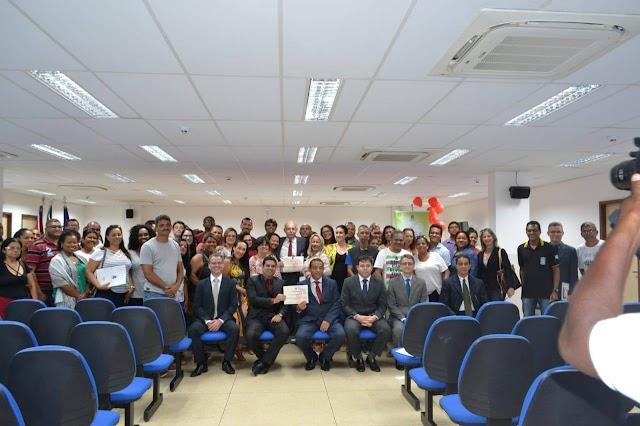 """A Rádio Porto Brasil FM esteve ontem no Fórum Dr. Osório de Menezes prestigiando Campanha """"Adote-Encontro de Corações"""","""