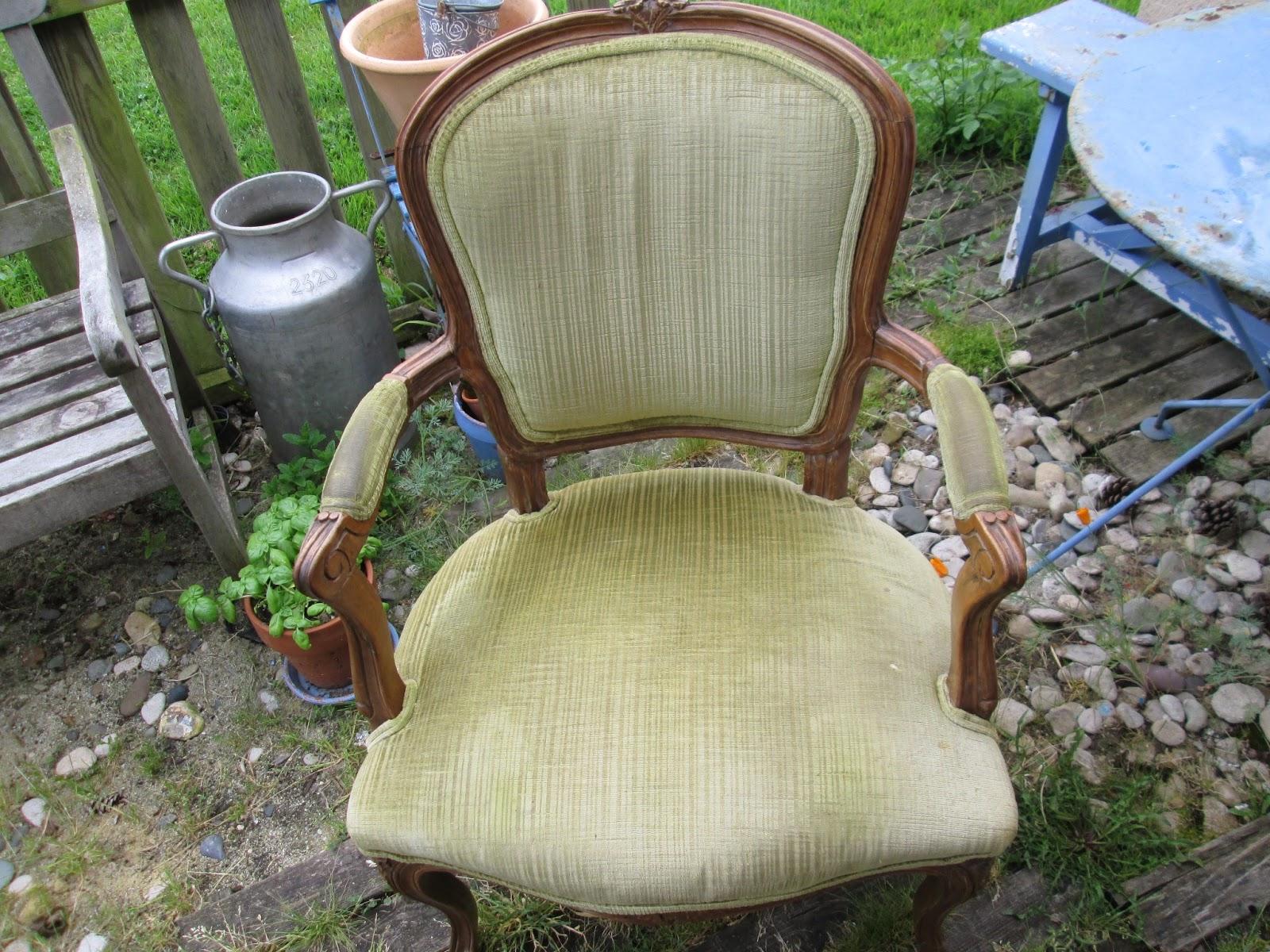 ar tes et moi recouvrir un fauteuil. Black Bedroom Furniture Sets. Home Design Ideas