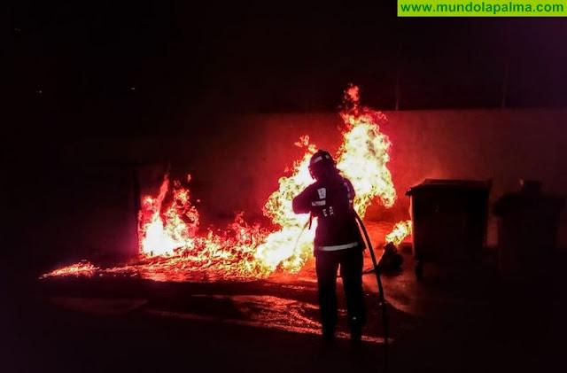Cuatro contenedores incendiados en Los Llanos de Aridane