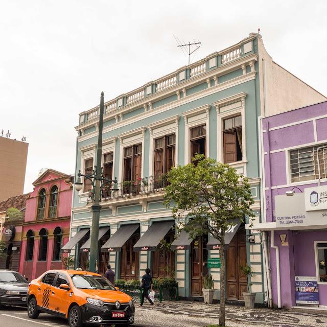 Sobrado na Rua Barão do Rio Branco 418, em Curitiba