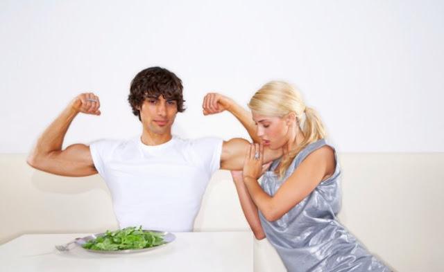 Las espinacas refuerzan los músculos.