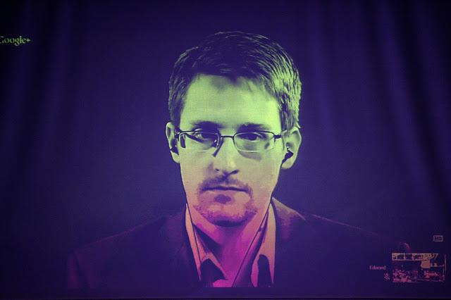 O dia em que Edward Snowden se apresentou ao mundo parte 4