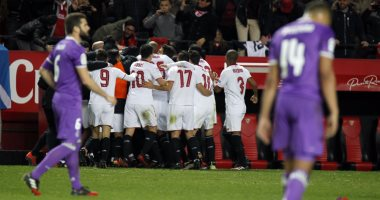 ريال مدريد يتلقى خسارته الاولى منذ ابريل بنتيجة هدفين مقابل هدف امام فريق اشبيلية