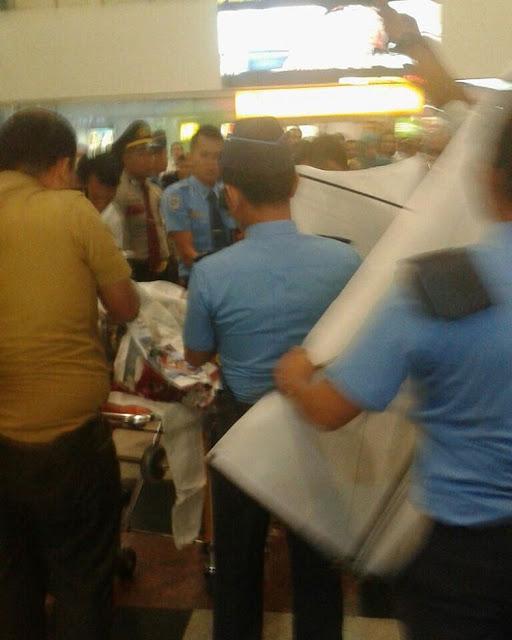 #BreakingNews TKI Jatuh Dari Lantai 2 Keberangkatan Bandara Kualanamu