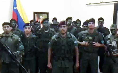 """Militares de Venezuela en rebeldía contra """"tiranía"""" del régimen de Maduro"""