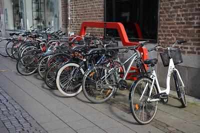 Vi behöver någonstans att parkera cyklar i Borås