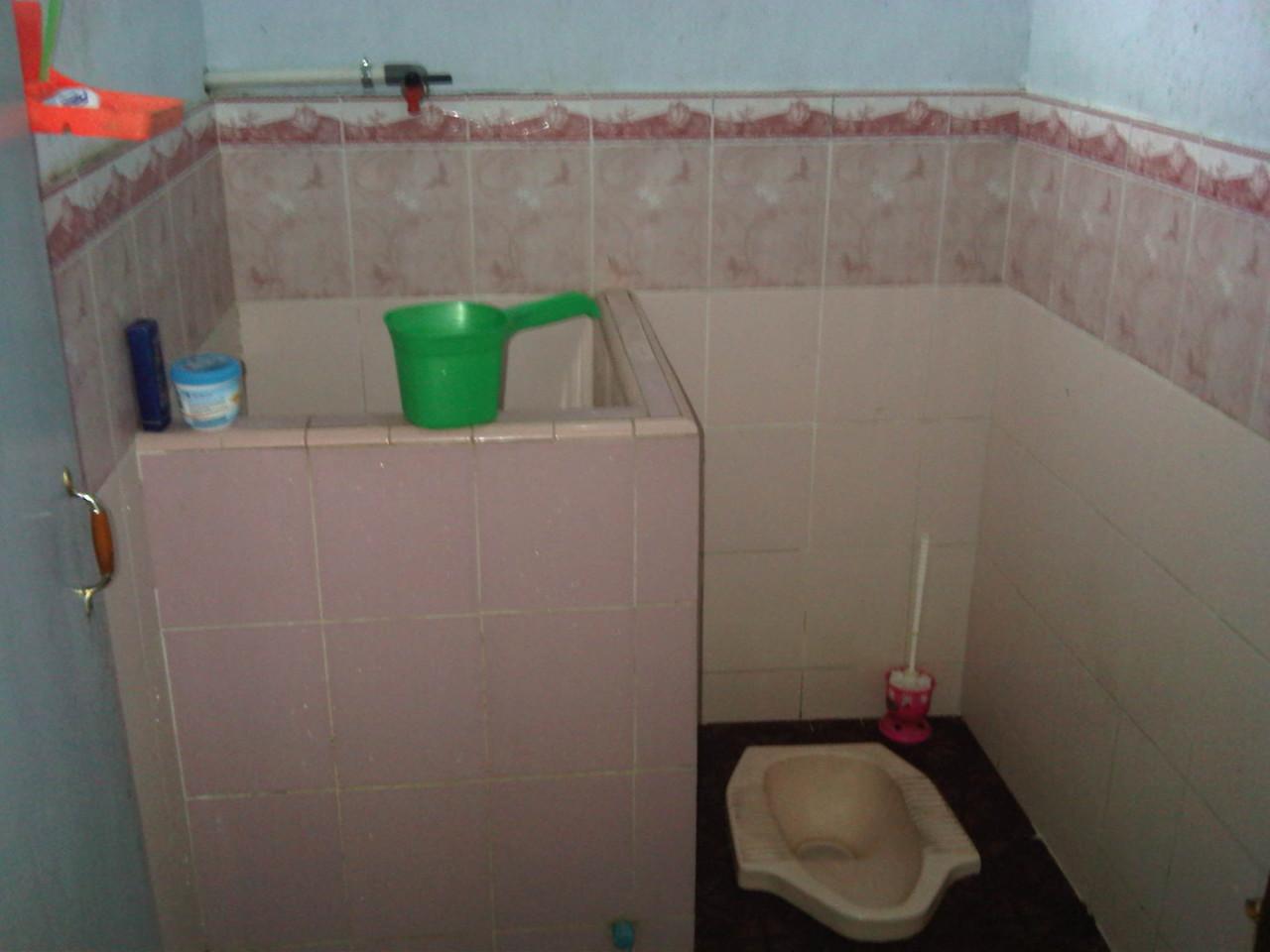 desain kamar mandi minimalis wc jongkok | gambar desain rumah minimalis