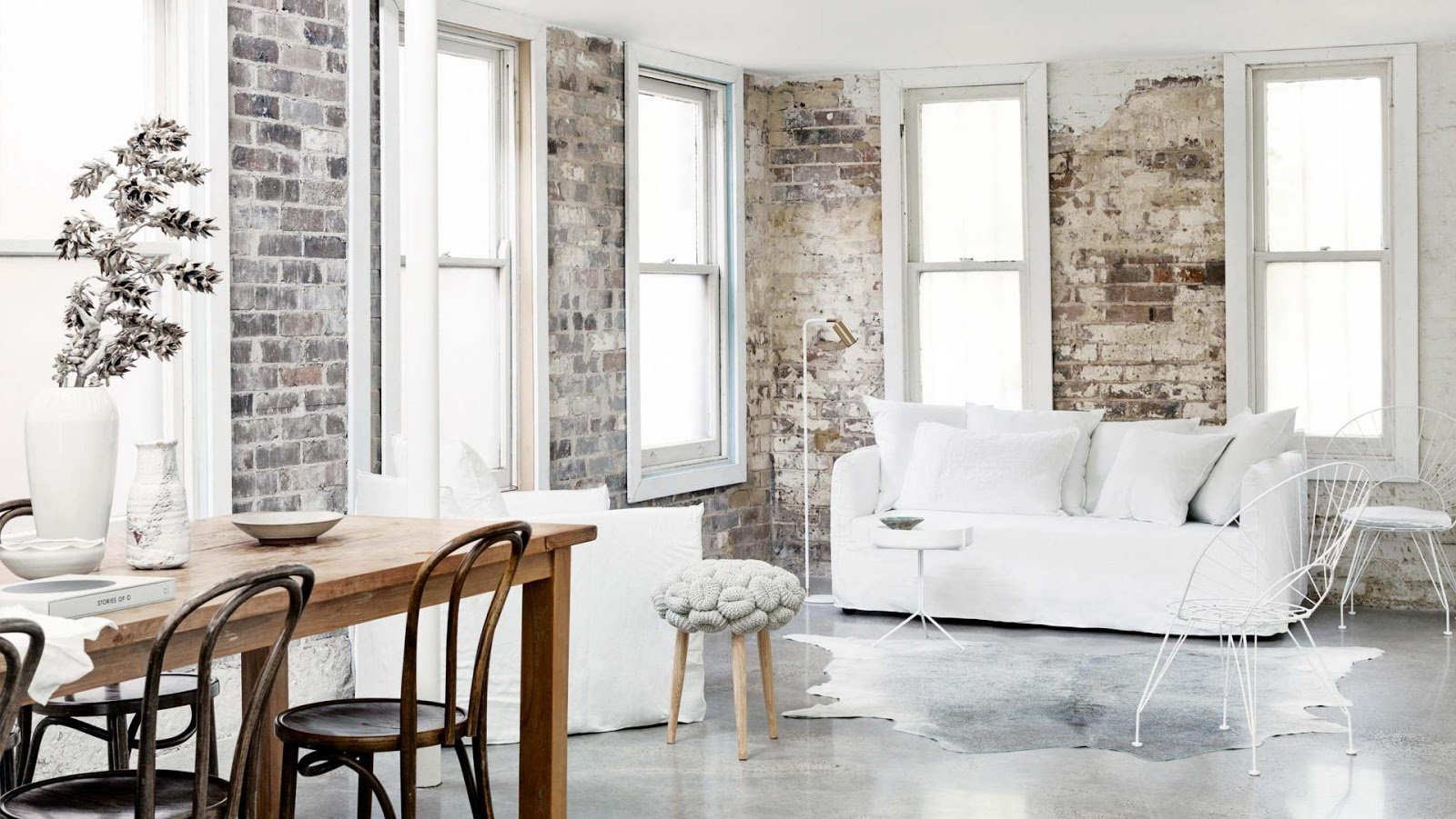 Decordemon the minimalist home of architect william drew in sydney - Decoration gris et blanc ...