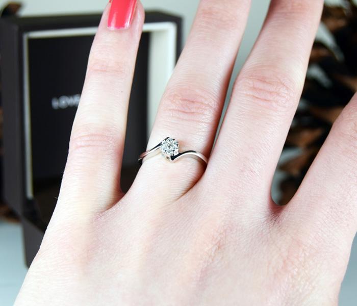 Ernest Jones Ring