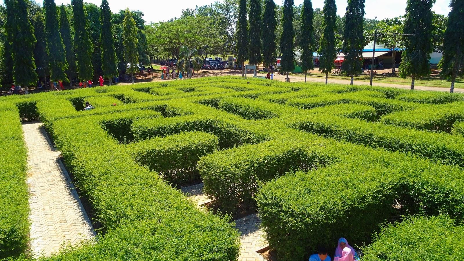 Taman Labirin Pelaihari Trisebud