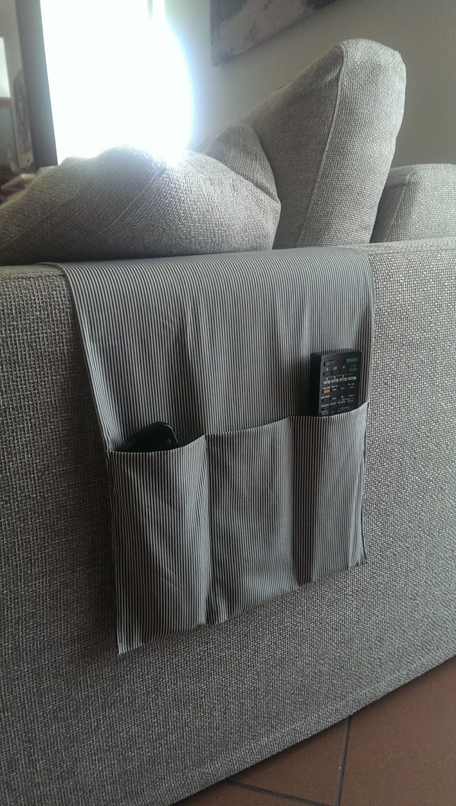 Il mio nido creativo porta telecomandi fai da te - Porta telecomandi da divano ...
