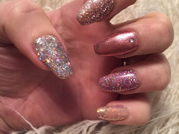 NOTD: Glittery Birthday Nails