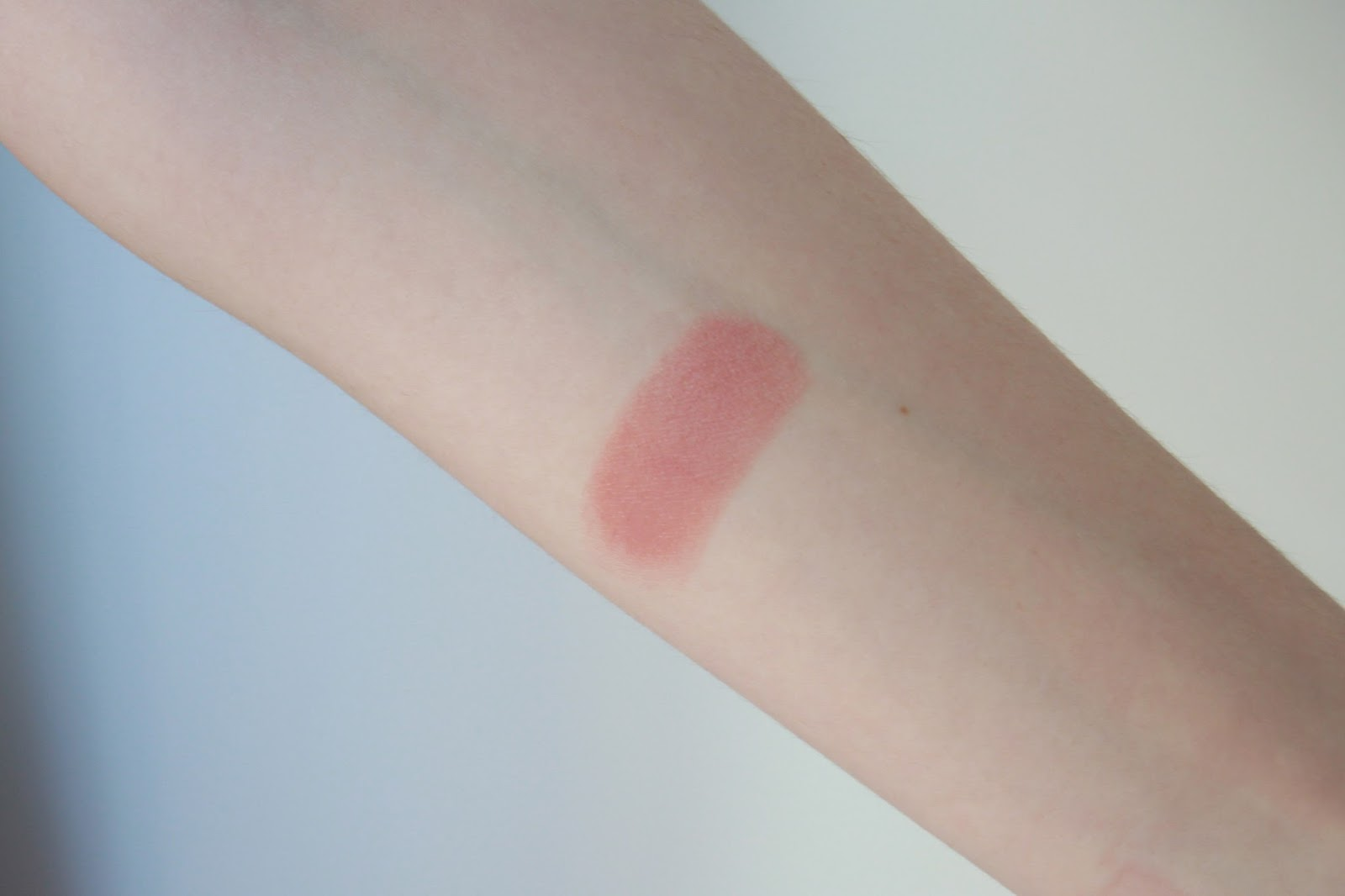 Rimmel Kate Moss 045 Arm Swatch