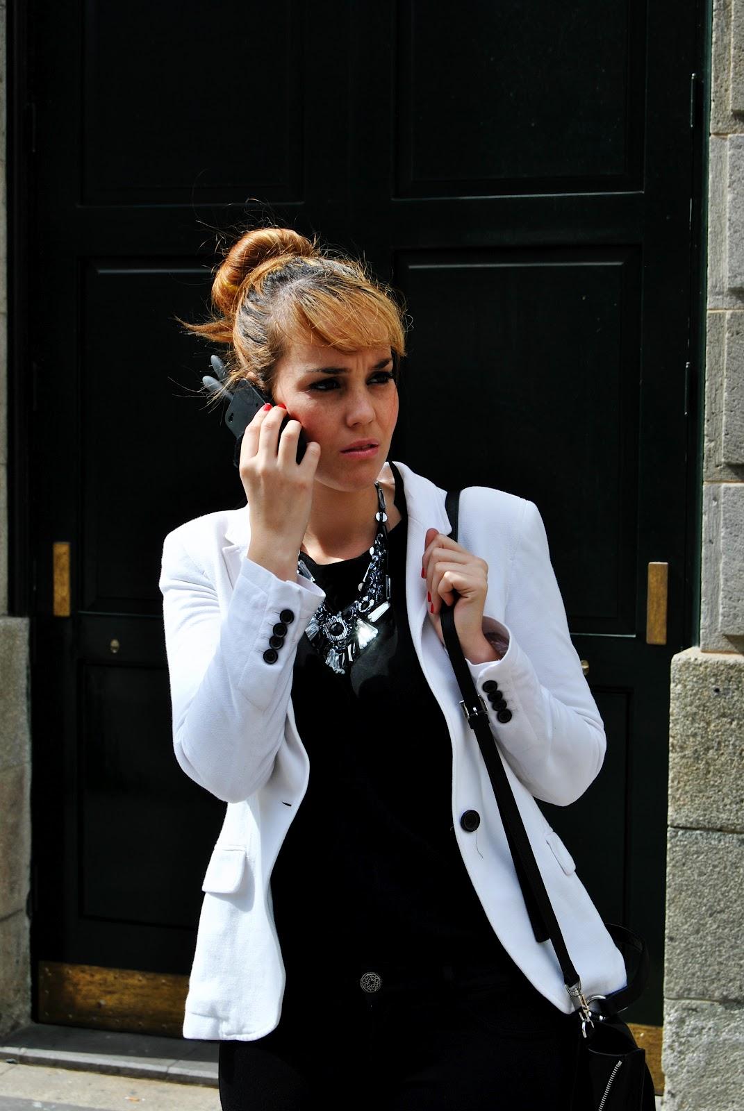 nery hdez, iphone case, leggins, white blazer, blogger tenerife