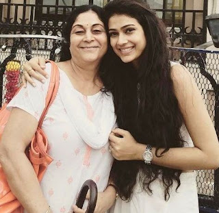 Aakanksha Singh Biography Profile Family  Husband Son Daughter Father Mother Children Marriage Photos.