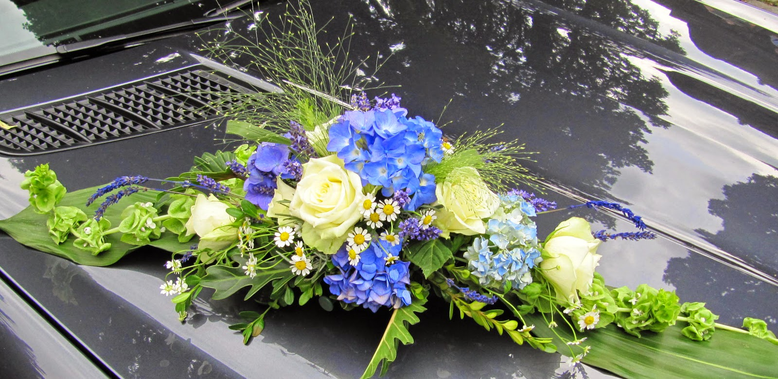 Steffi S Hochzeitsblog Mein Blau Weisser Blumenschmuck Teilweise