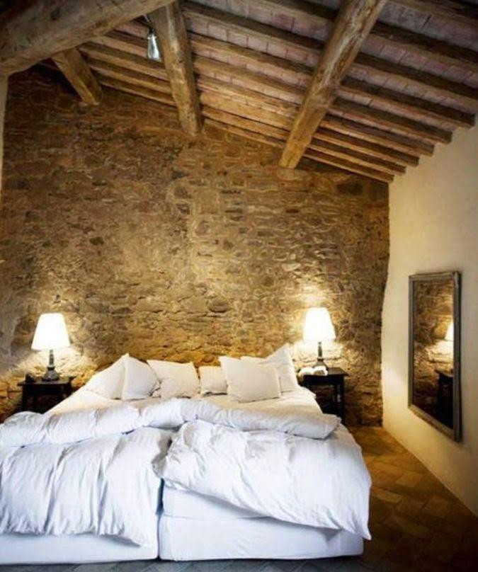Boiserie c 15 meravigliose camere da letto con la pietra - Testata letto a muro ...